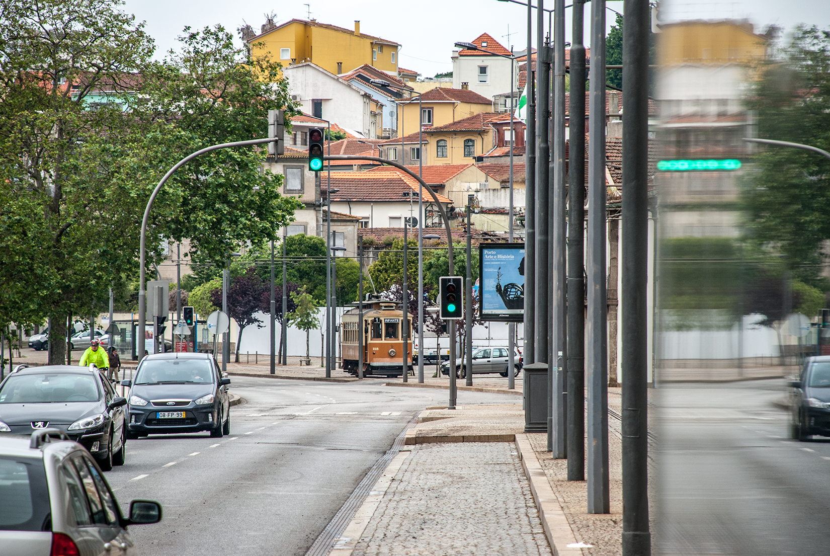 Car 218 on reserved track at Rua do Ouro
