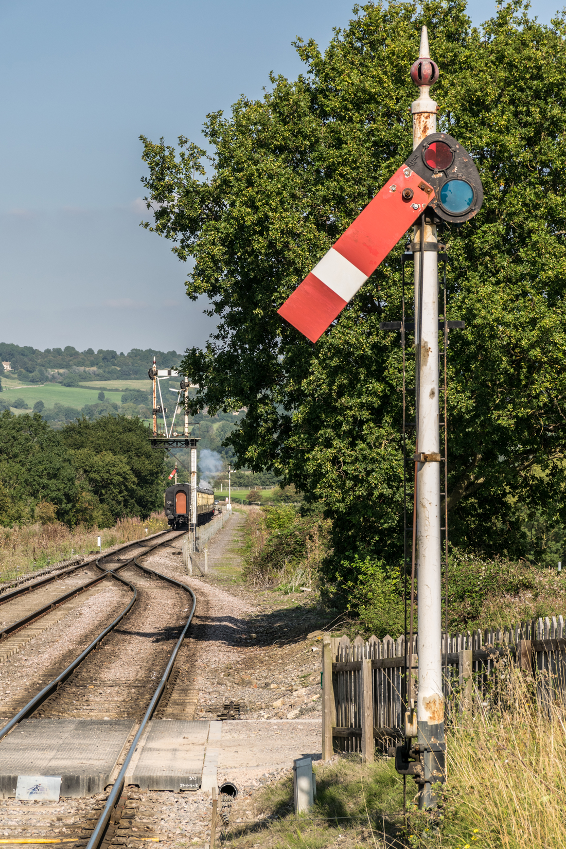 Lower quadrant signalling is used throughout the Honeybourne Line