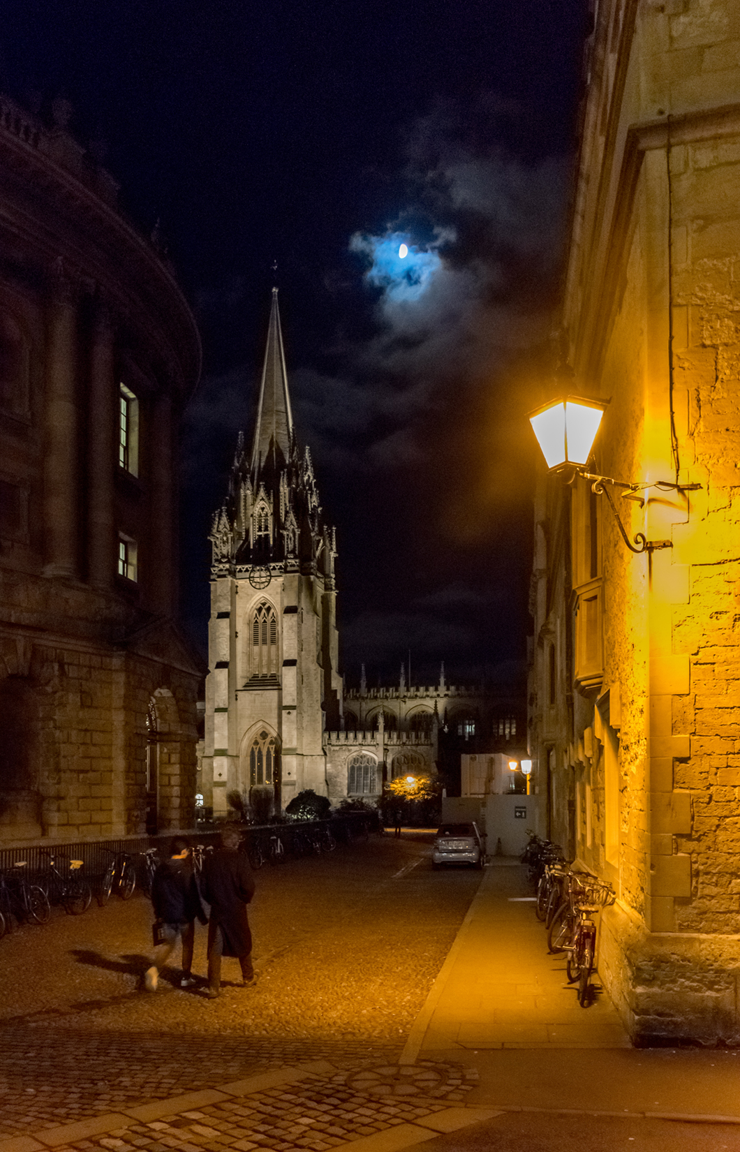 Radcliffe Square and the University Church of St Mary the Virgin