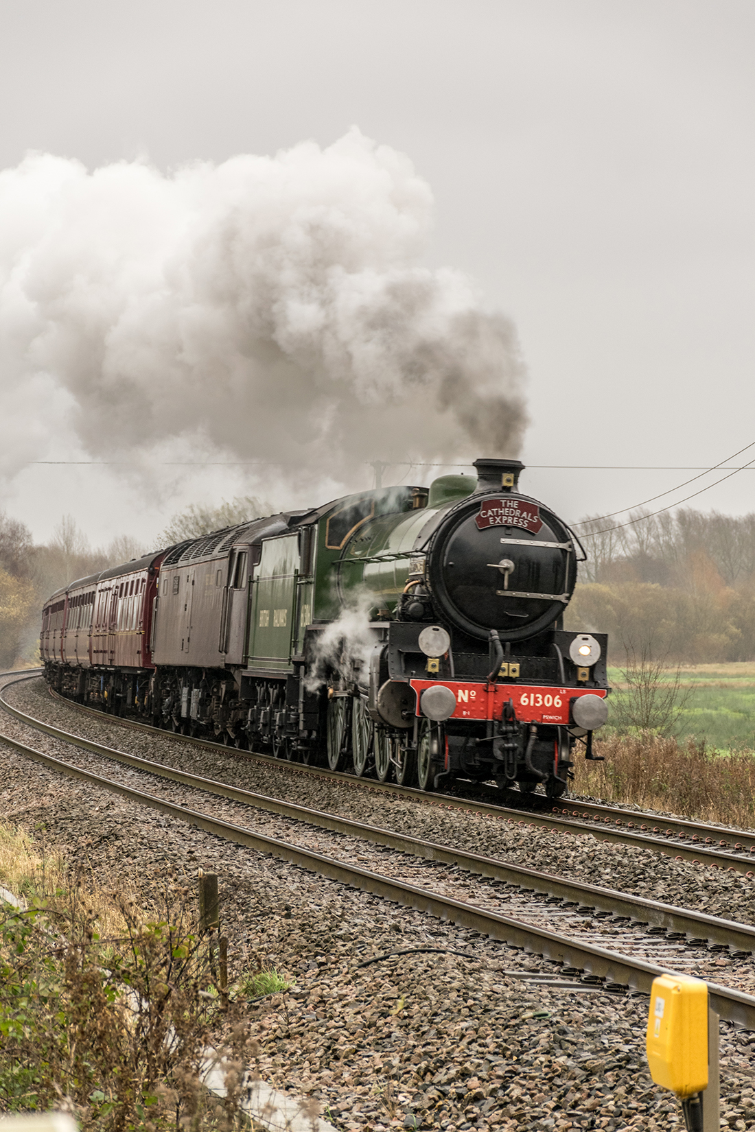 'The Cathedrals Express' passes Marsh Benham